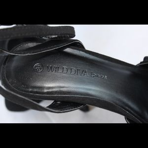 Wild Diva Shoes - Wild Diva Lounge - Black Venus Heels